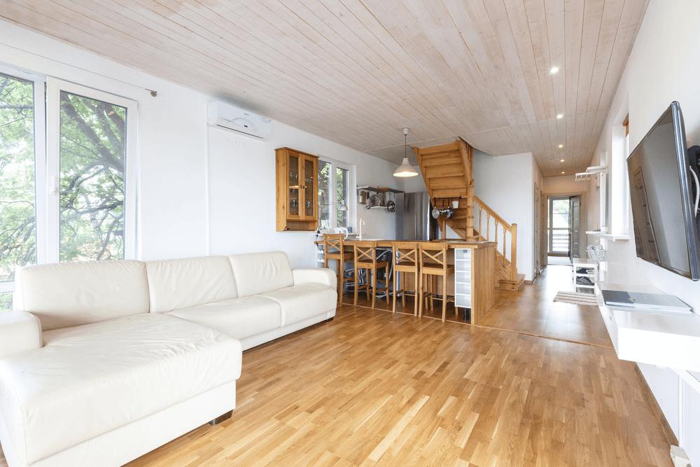 Best Complements Oak Flooring