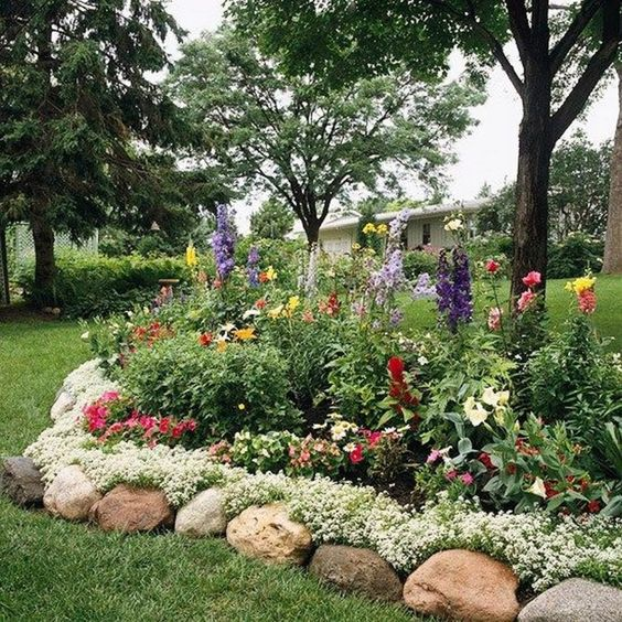 Beautiful Lawn Edging Ideas